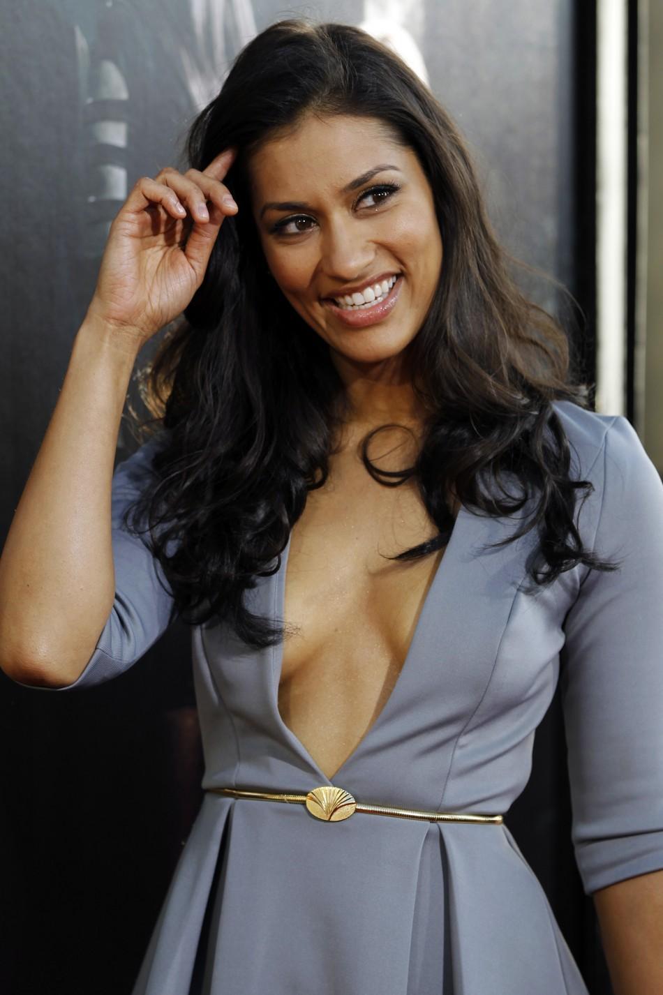 Janina Gavankar hot side boobs pics