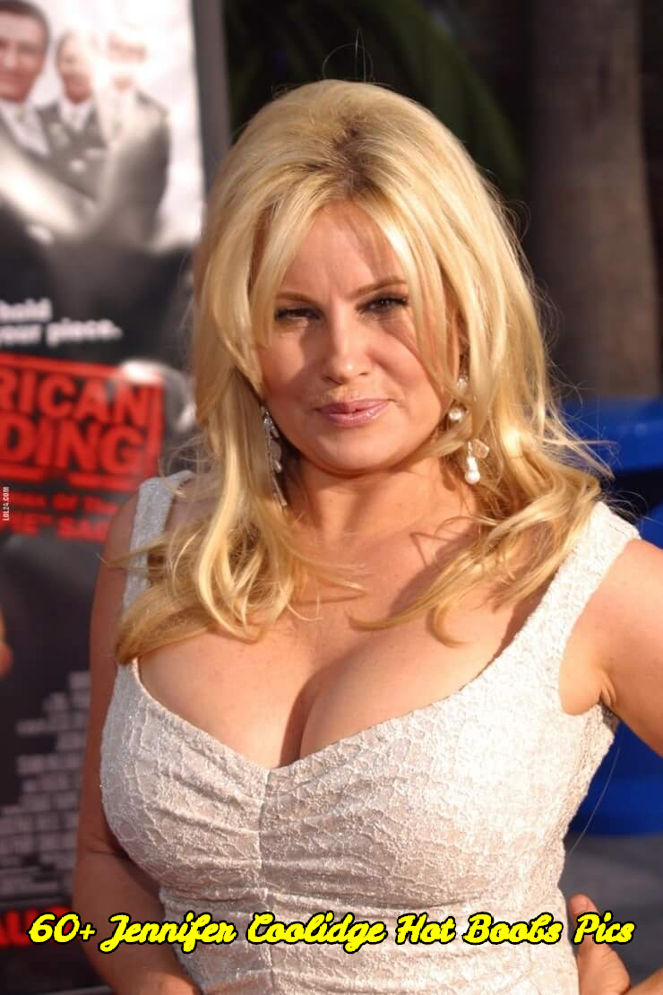 Jennifer Coolidge hot boobs pics