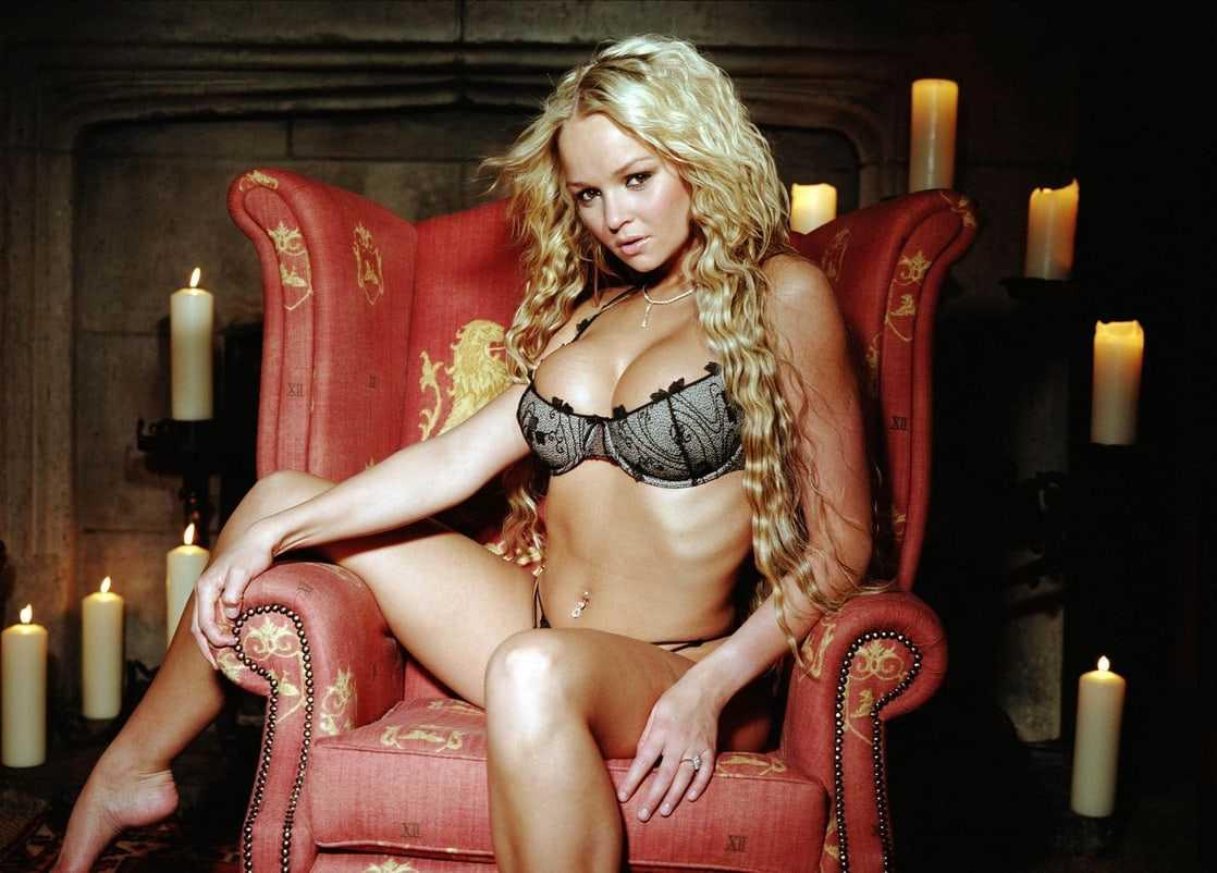 Jennifer Ellison hot look pics