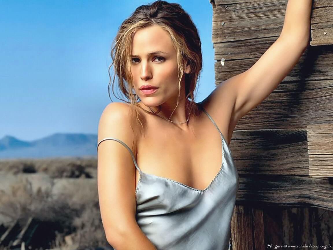 Jennifer Garner hot cleavage pics