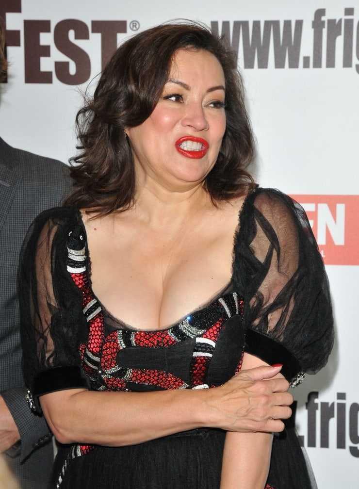 Jennifer Tilly big boobs pics