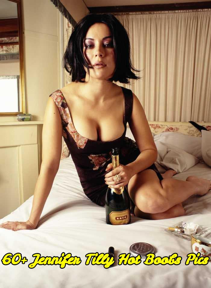 Jennifer Tilly hot boobs pics