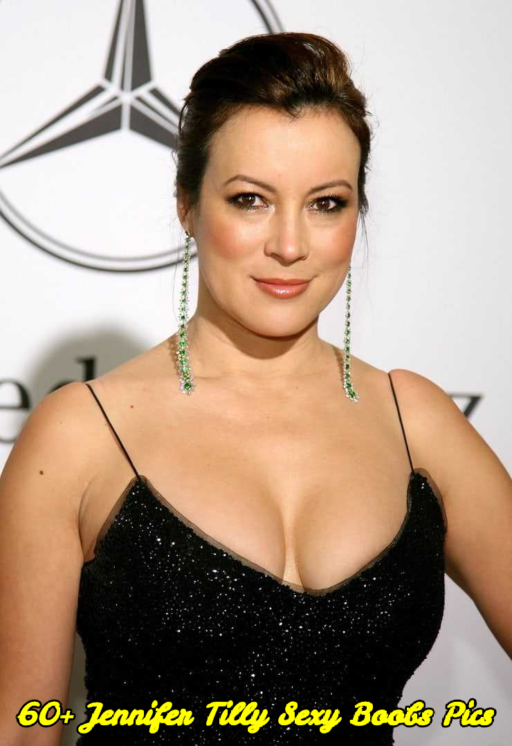 Jennifer Tilly sexy boobs pics