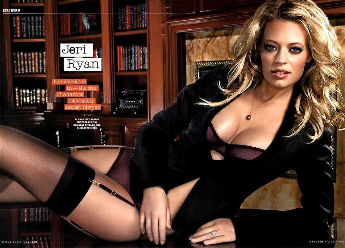 Jeri Ryan hot lingerie pics