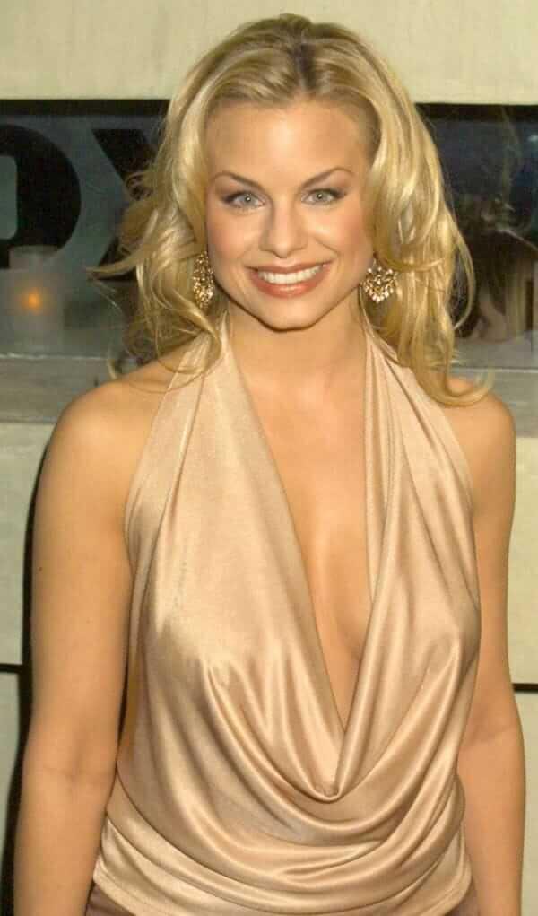 Jessica Collins hot look pics (2)