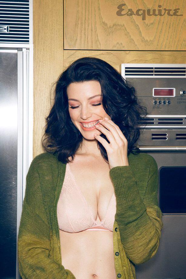 Jessica Paré hot look