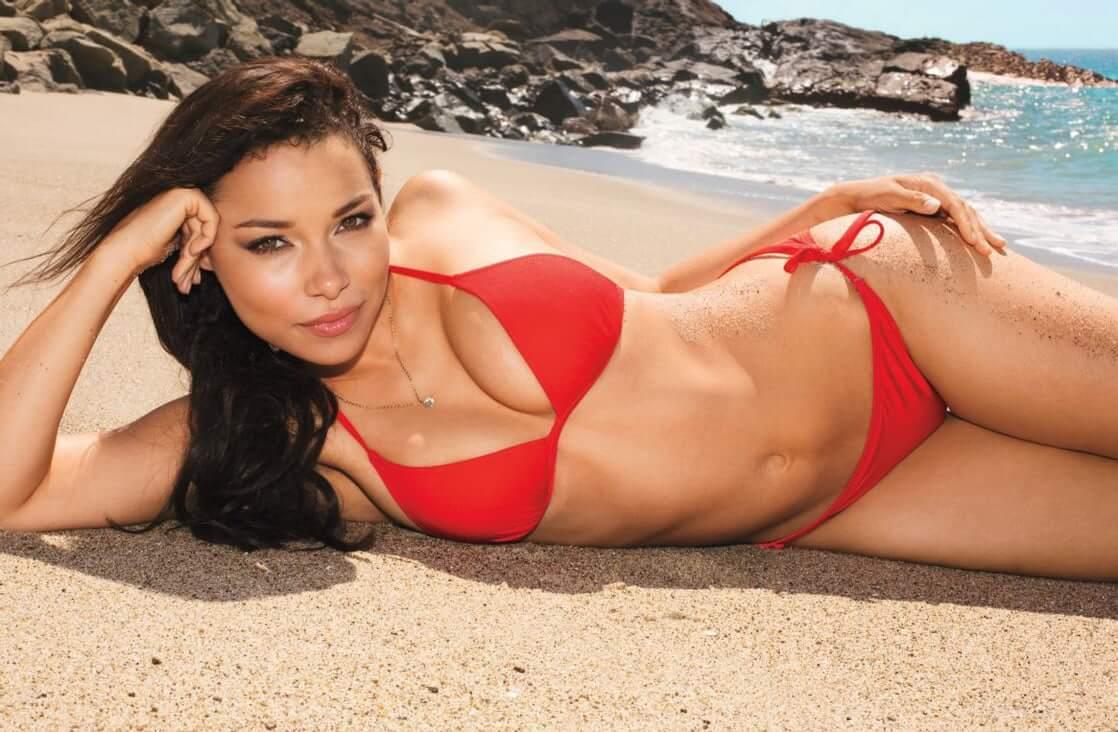 Jessica Parker Kennedy sexy bikini pics
