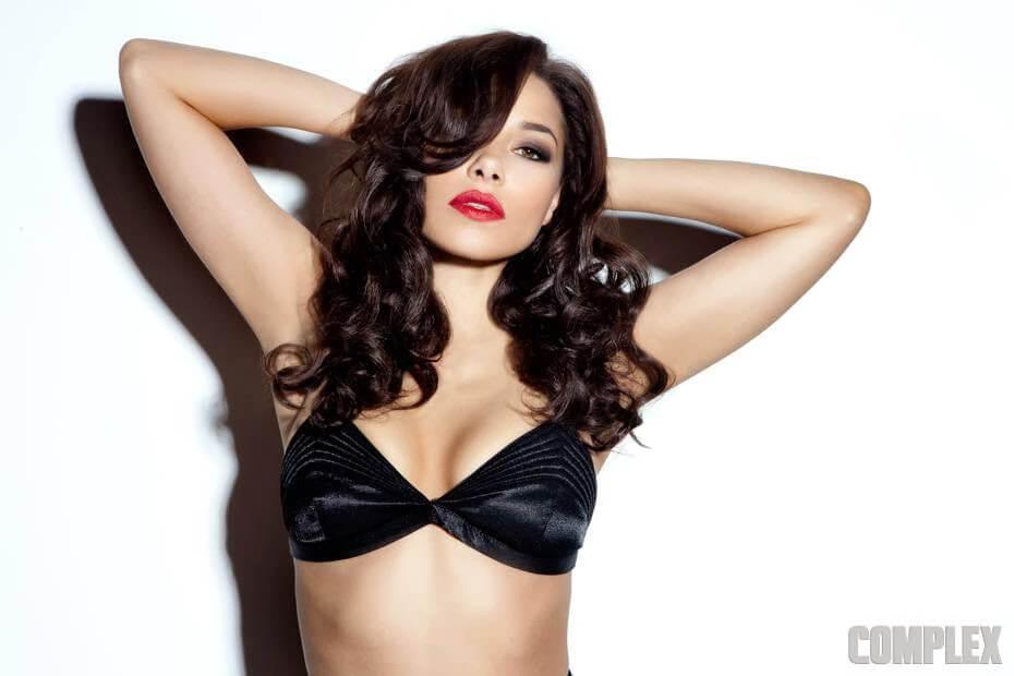 Jessica Parker Kennedy sexy tits pics