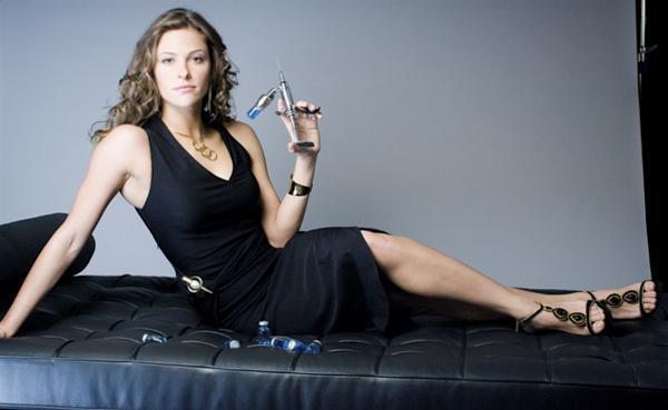 Jill Wagner hot look pics