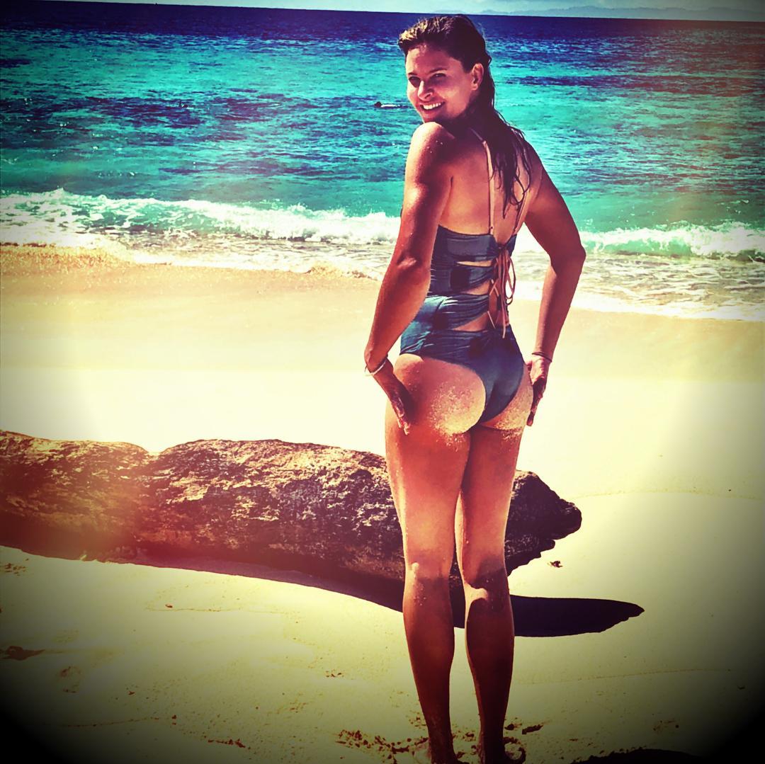 Jill Wagner sexy butt pics