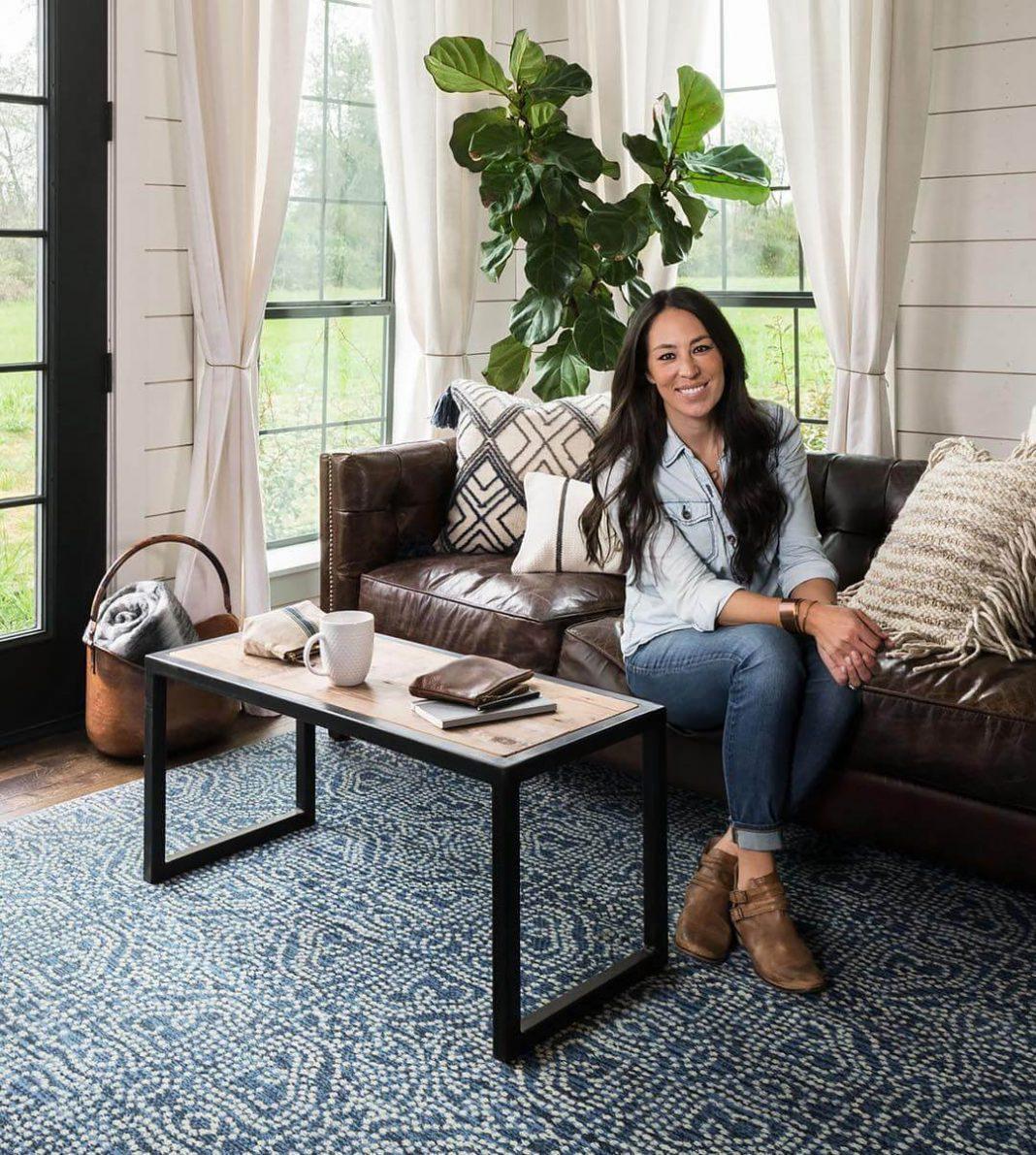 47 Joanna Gaines Sexy Pictures Are Gorgeously Attractive - GEEKS ON COFFEE