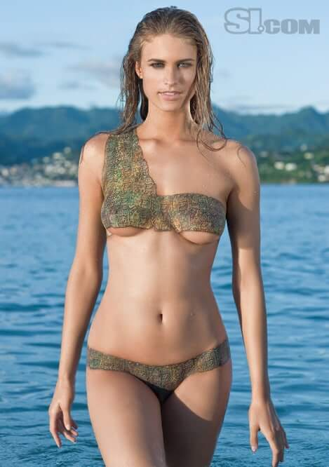 Julie Henderson hot bikini pics