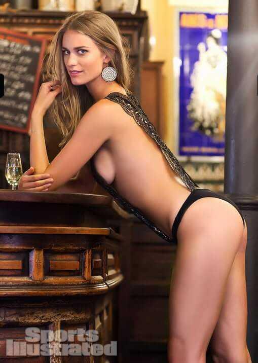 Julie Henderson sexy ass pics