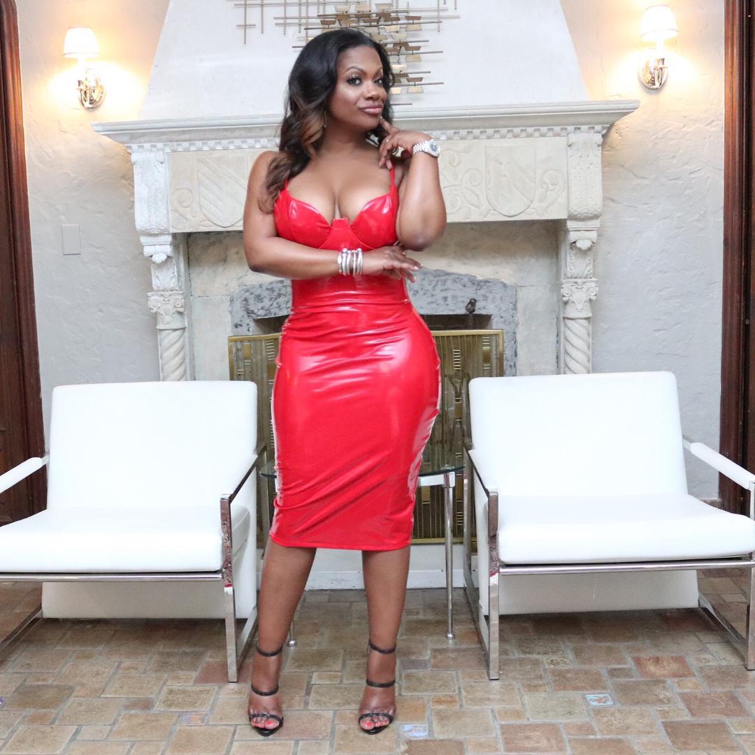 Kandi Burruss hot photo (2)