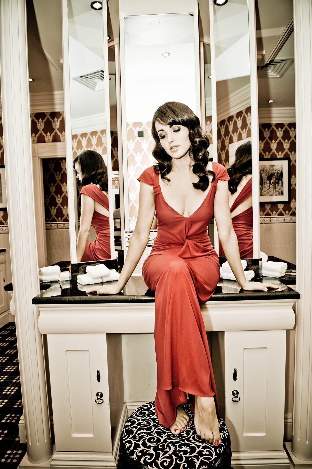 Karen Hassan hot look pictures