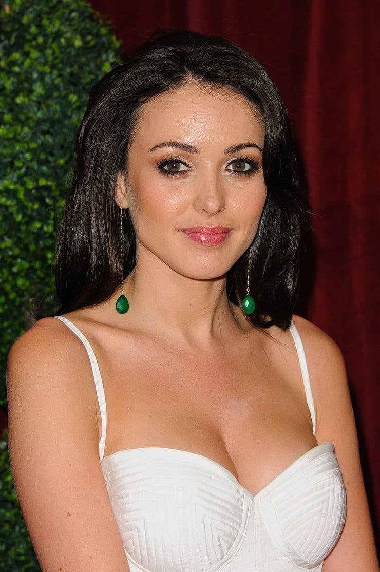 Karen Hassan sexy cleavage pics