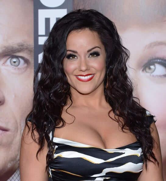 Katy Mixon big boobs pics