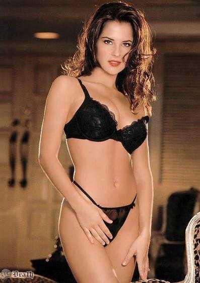 Kelly Monaco sexy bikini pics