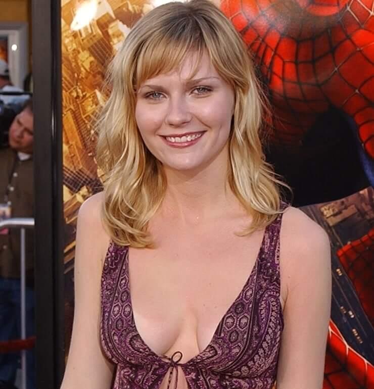 Kirsten Dunst sexy tits pics