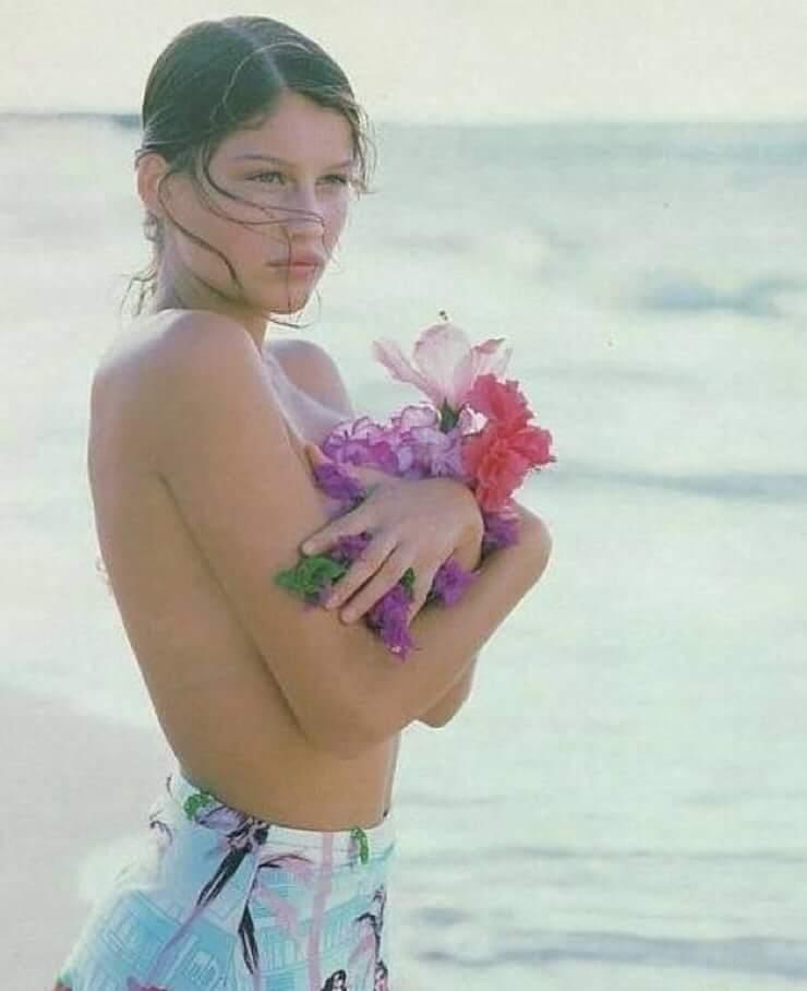 Laetitia Casta topless pictures