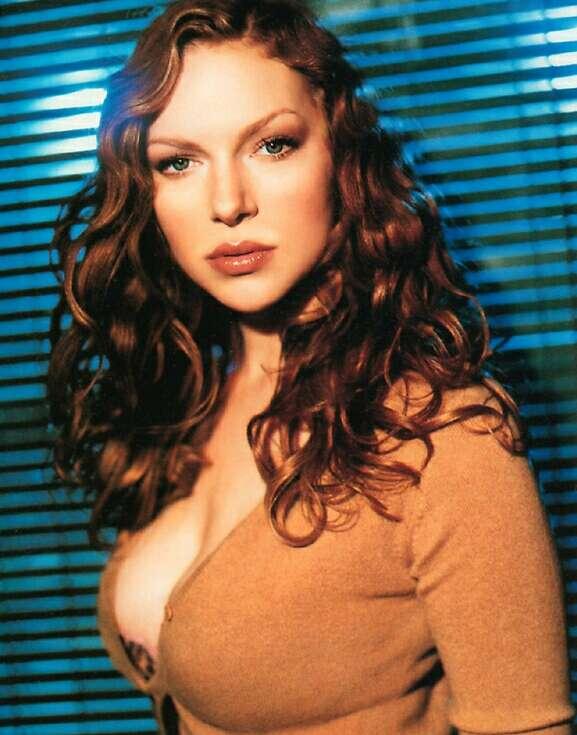 Laura Prepon hot look pics