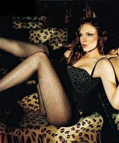 Laura Prepon hot photo
