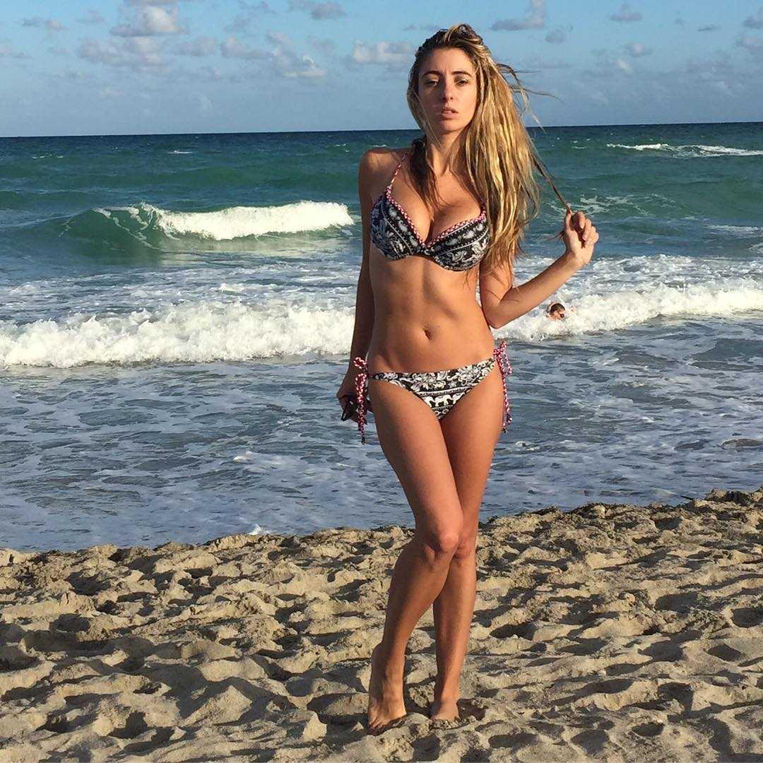 Lauren Francesca bikini pics