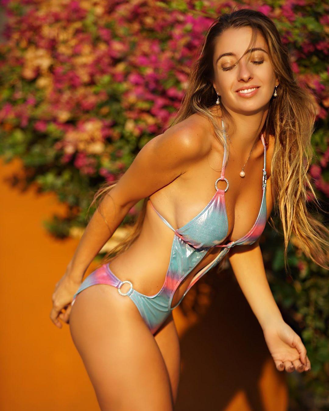 Lauren Francesca hot lingerie pics