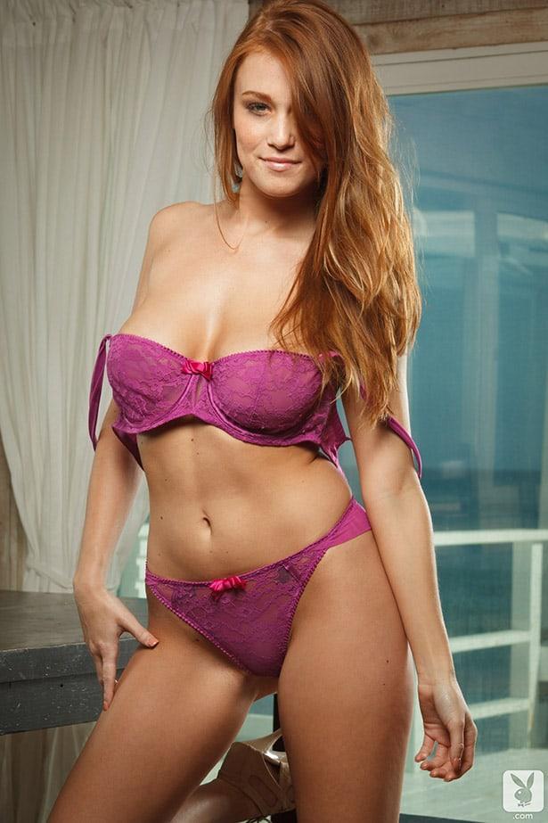 Leanna Decker sexy cleavage pic
