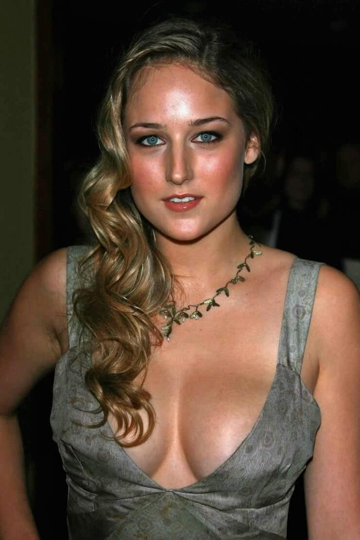 Leelee Sobieski big boobs pics