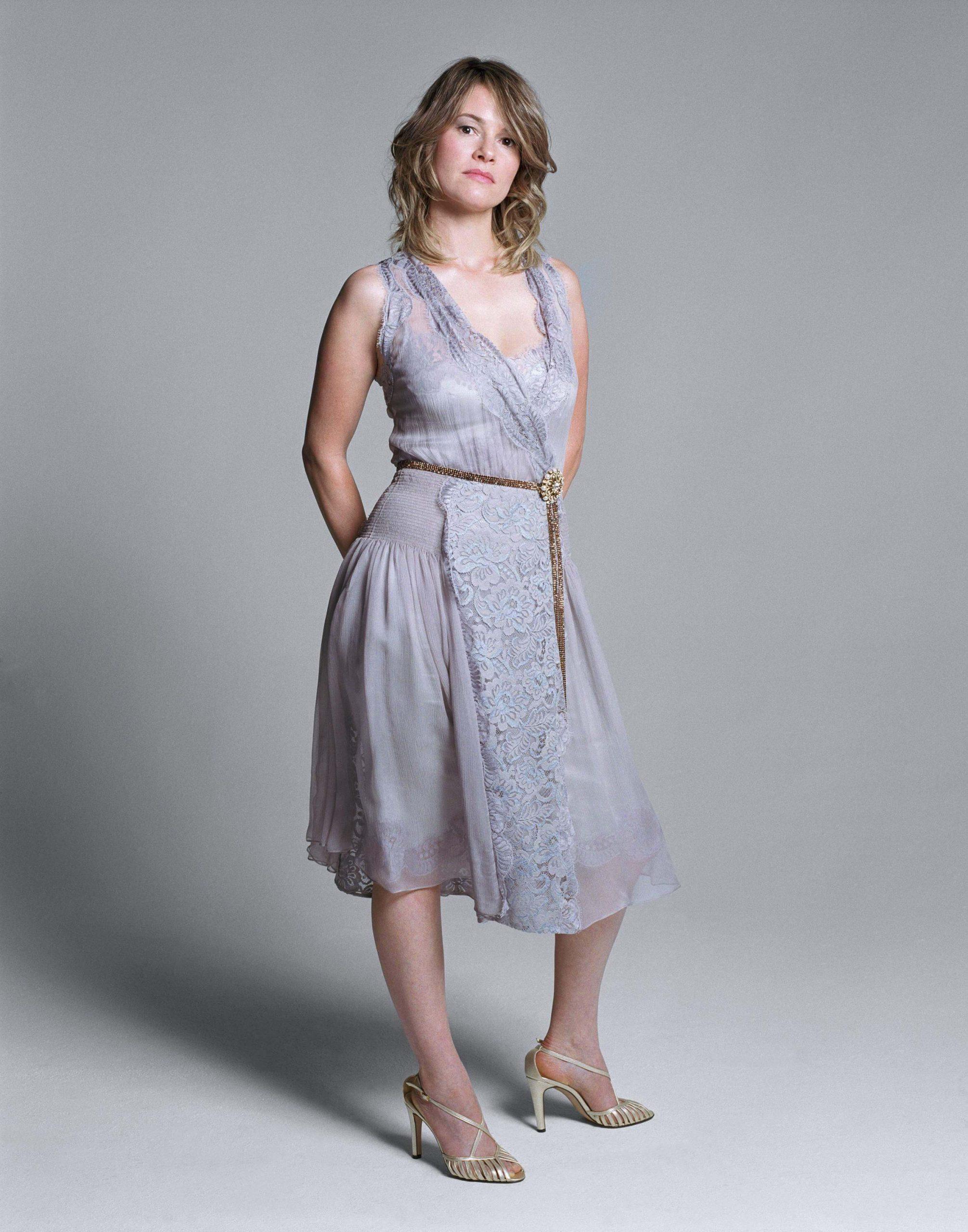 Leisha Hailey hot look pics