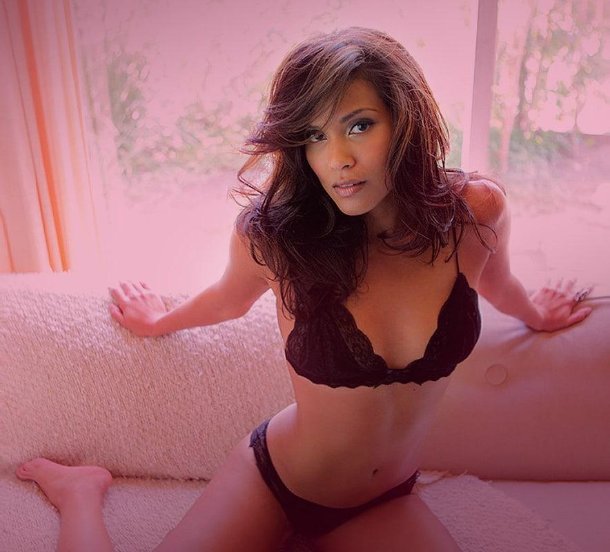 Lesley-Ann Brandt hot