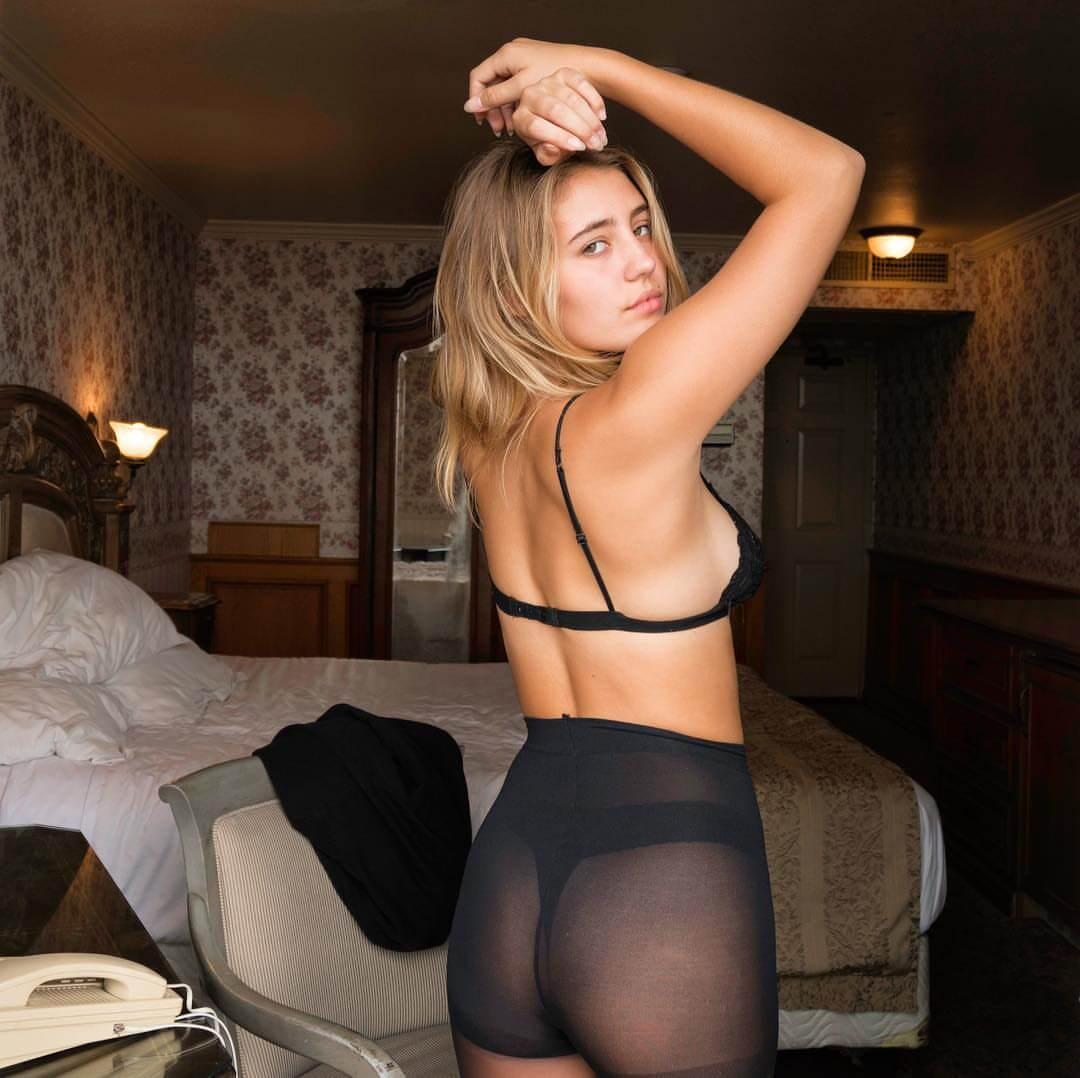 Lia Marie Johnson sexy butt pic