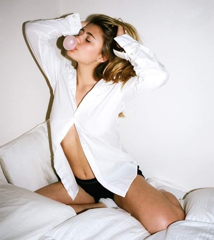 Lia Marie Johnson sexy photo (2)