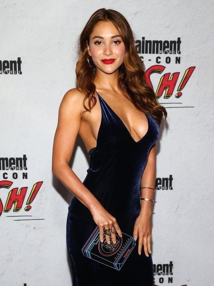 Lindsey Morgan sexy tits pictures