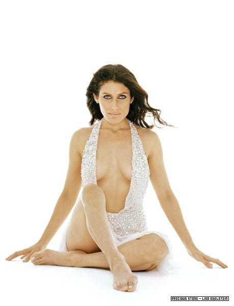 Lisa Edelstein hot cleavage pics