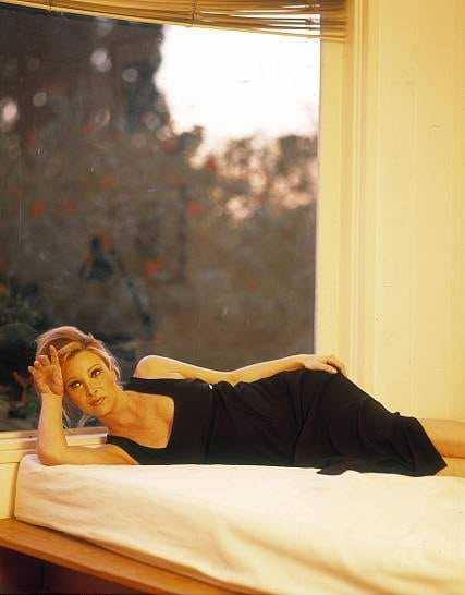 Lisa Kudrow (63)