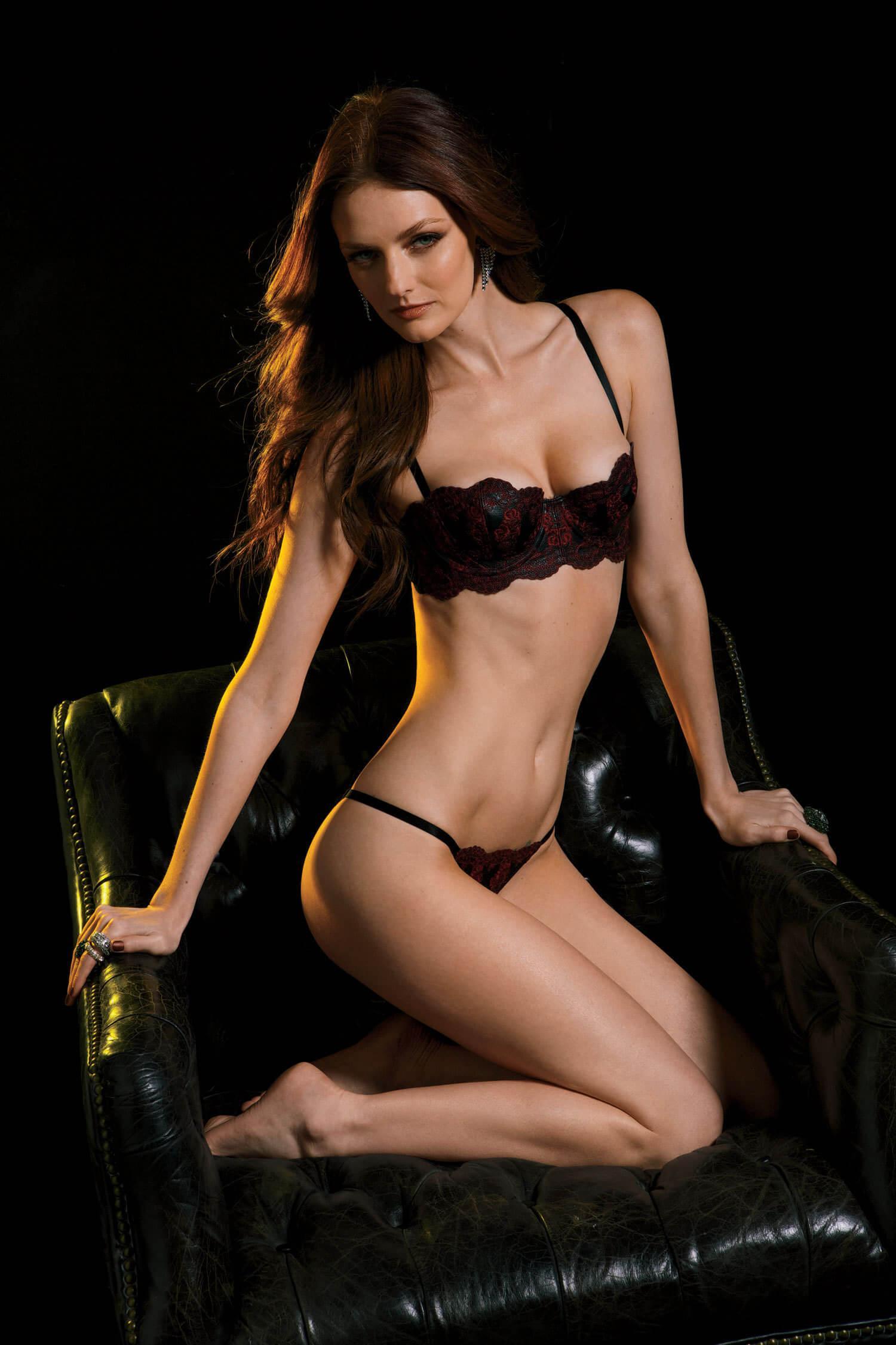 Lydia Hearst hot lingerie pics