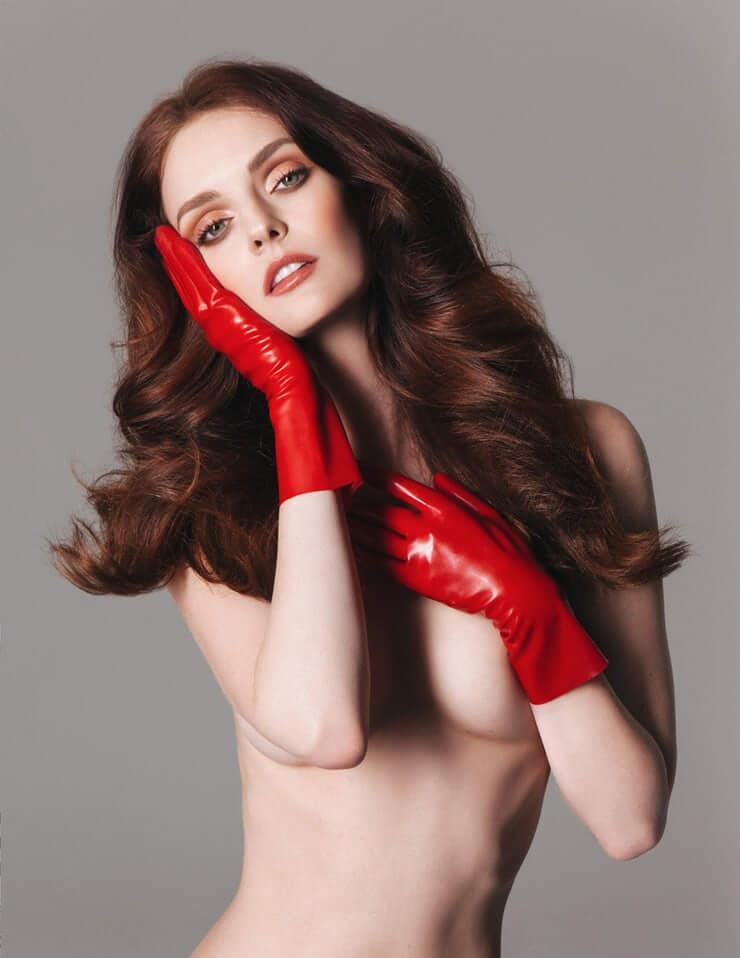 Lydia Hearst hot topless pics