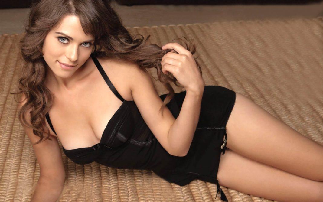 Lyndsy Fonseca hot lingerie pics