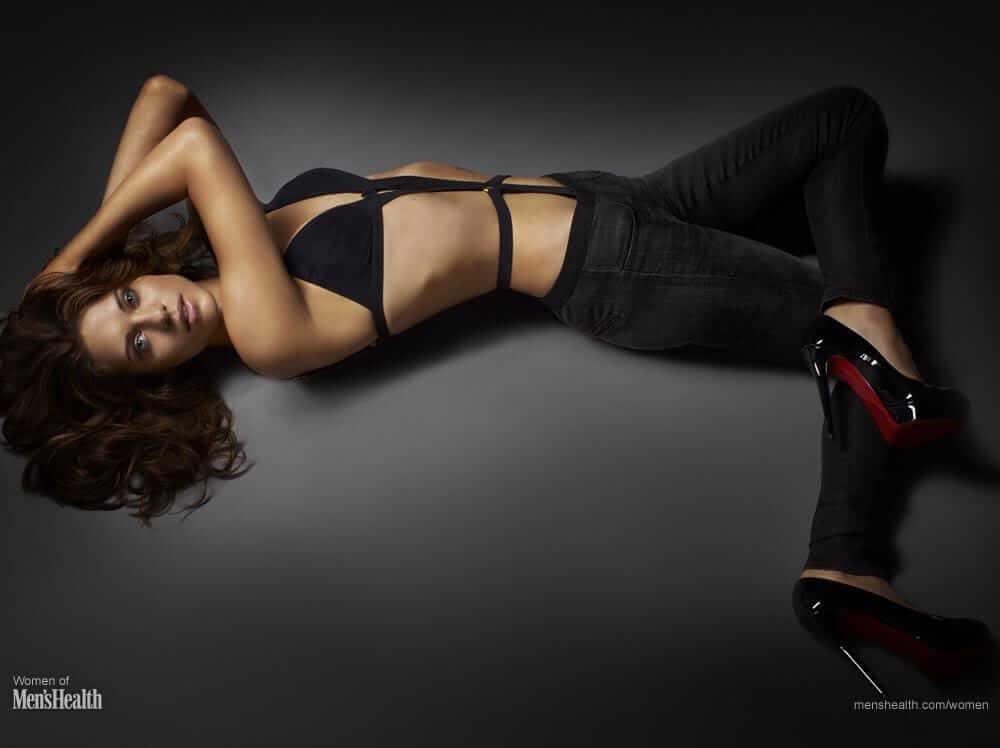 Lyndsy Fonseca hot look pics