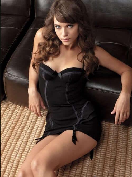 Lyndsy Fonseca sexy lingerie pics