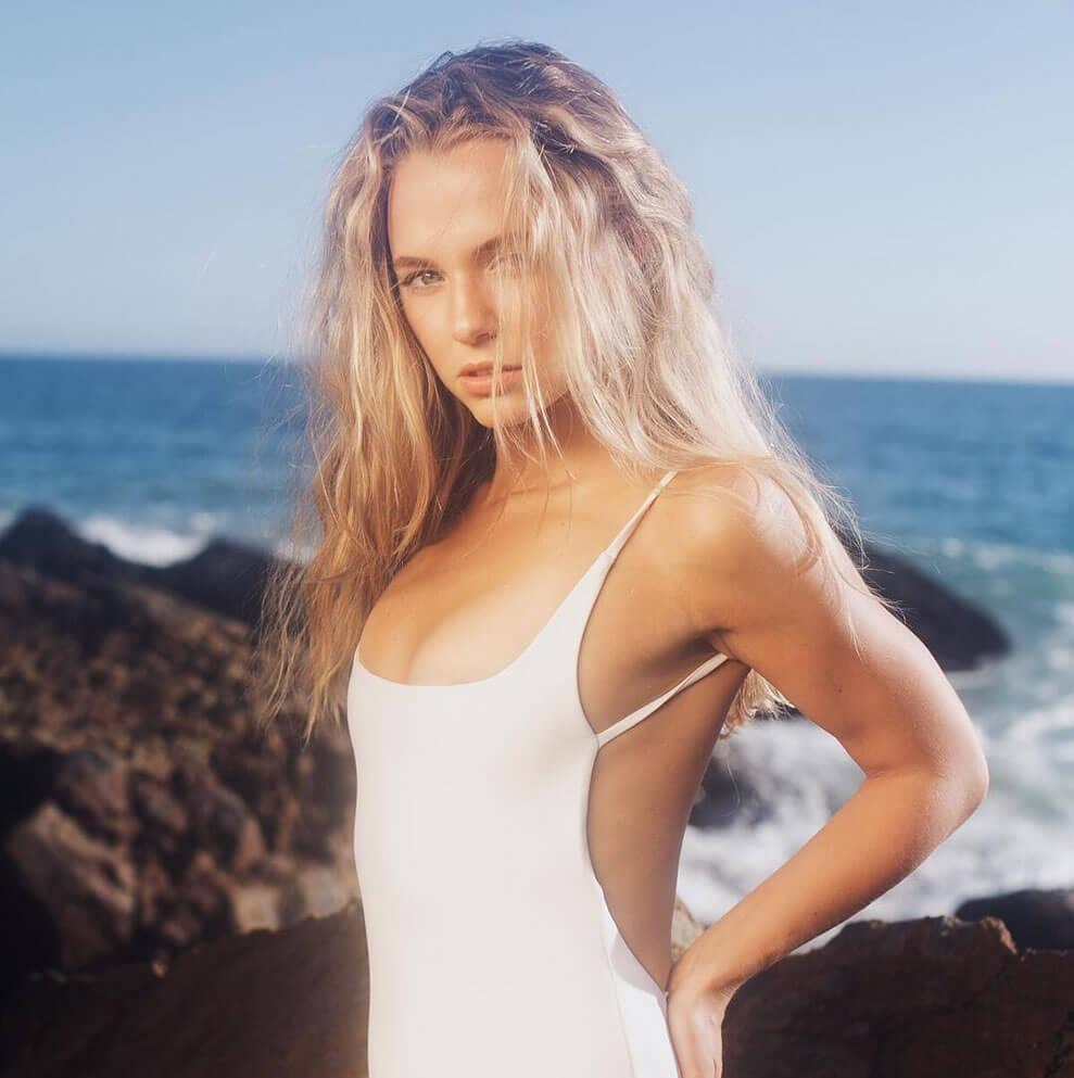 Madison Iseman sexy pic