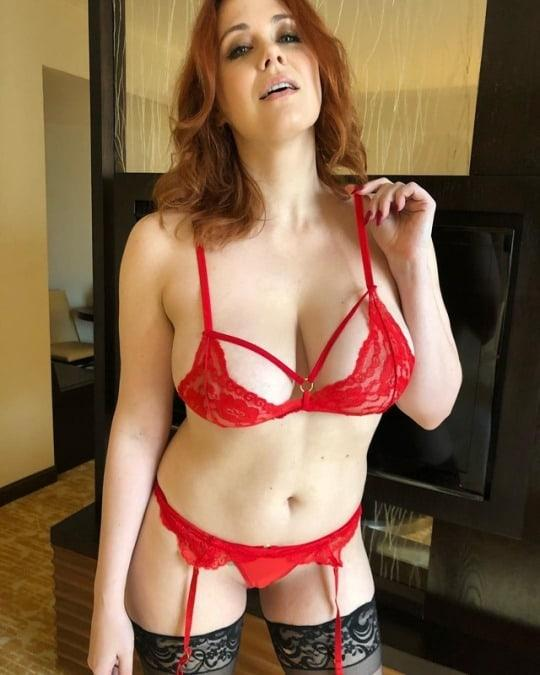Maitland Ward sexy lingerie pic