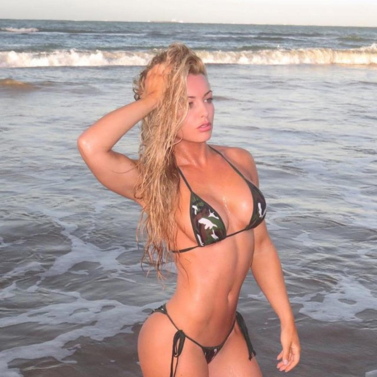 Mandy Rose sexy look
