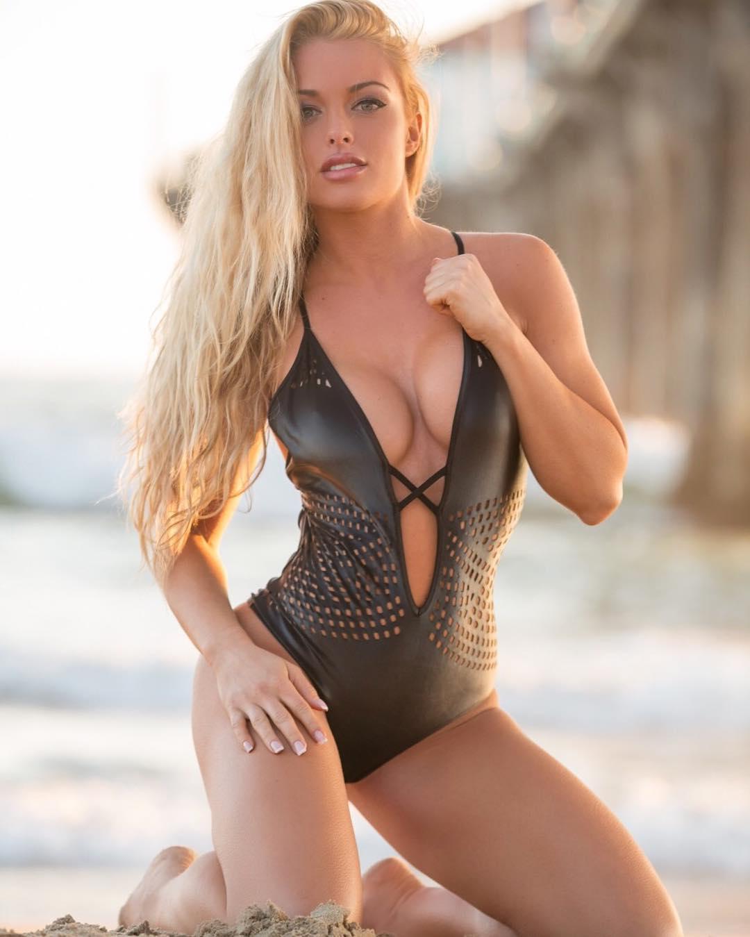 Mandy Rose sexy