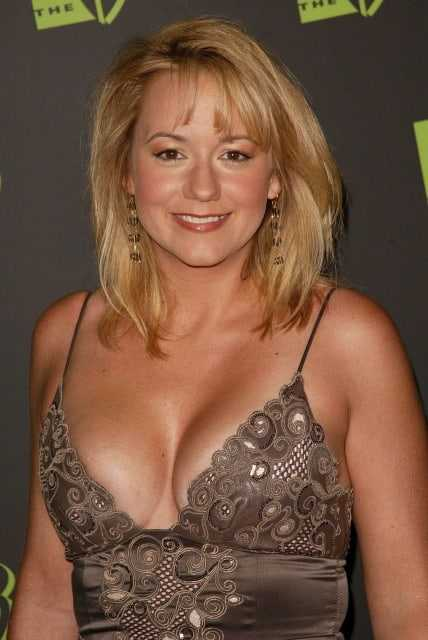 Megyn Price sexy cleavage pics