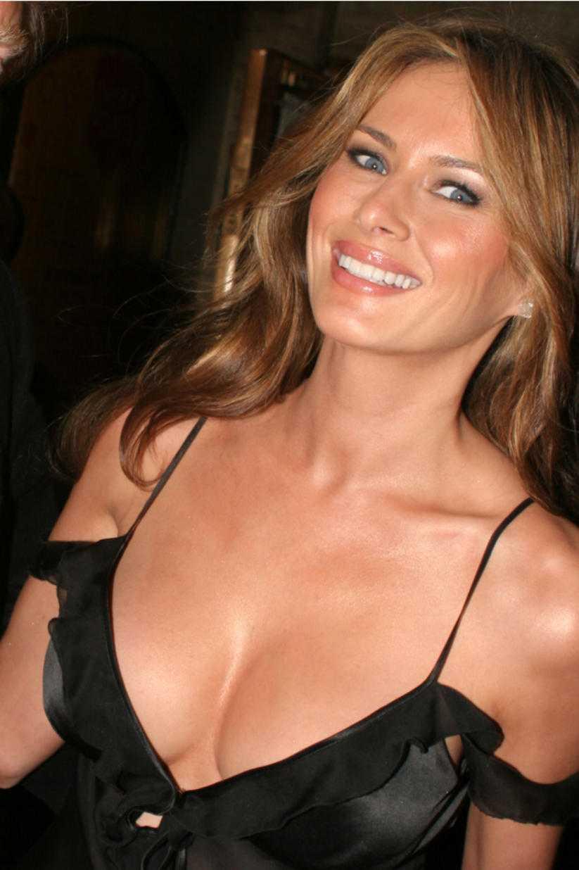 Melania Trump hot cleavage pic (2)