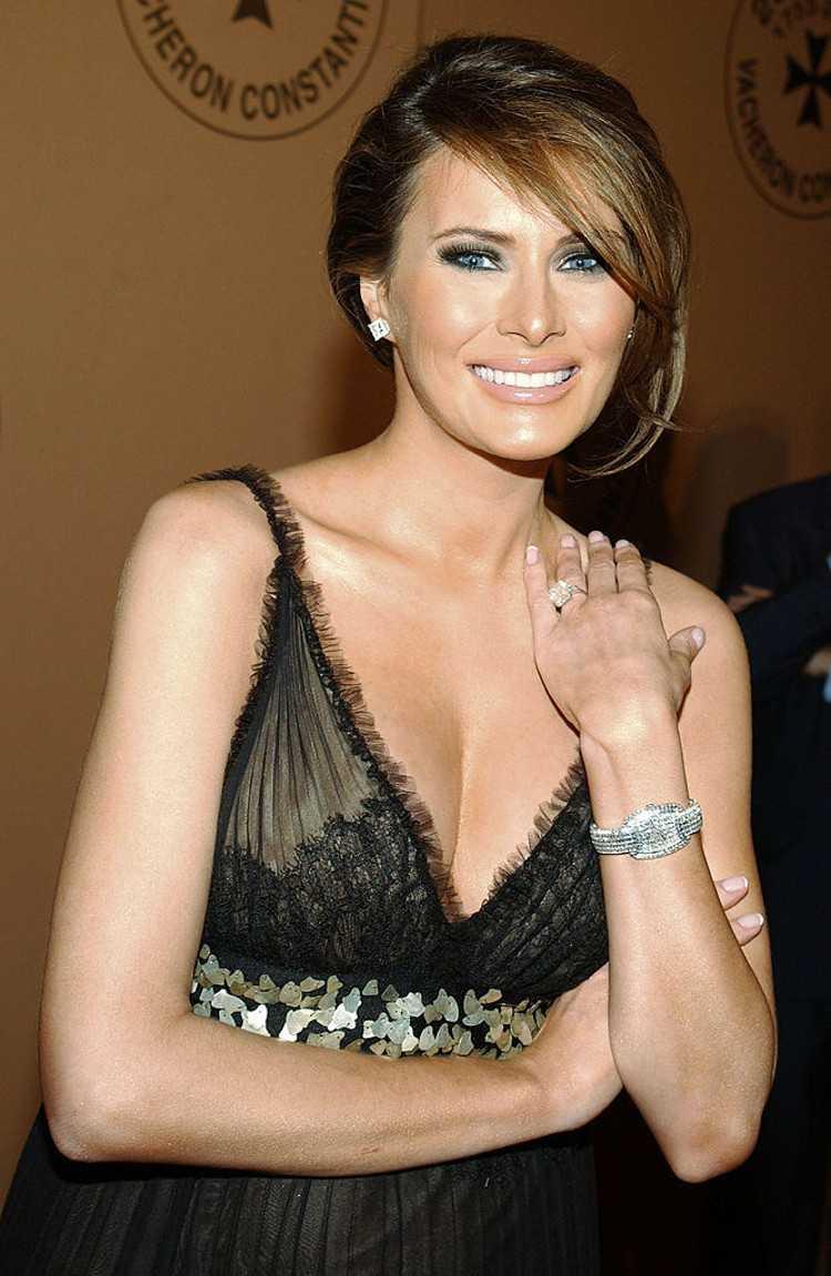 Melania Trump sexy cleavage pic