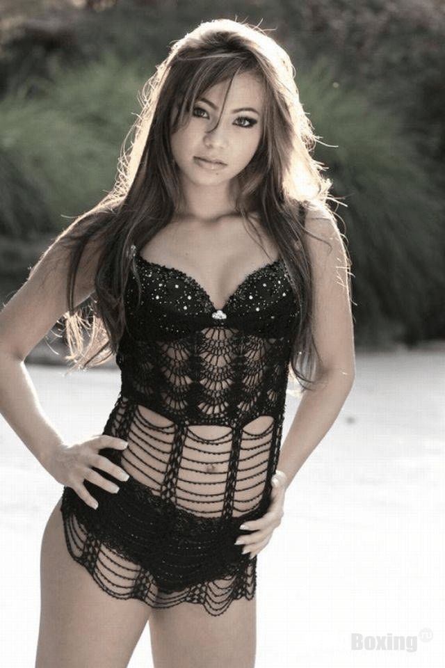 Michelle Waterson hot look